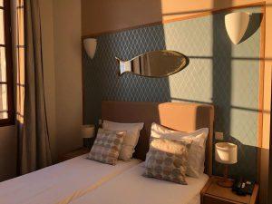 l'une des chambres cosy de l'hotel Belle Vue