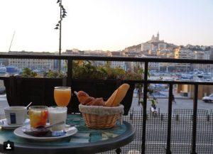dégustez le petit déjeuner de l'hotel Belle Vue