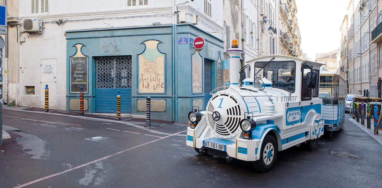 le petit train parfait pour visiter la ville de Marseille lors de votre séjour