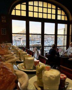 savourez le petit déjeuner de l'hotel Belle Vue à marseille